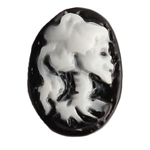 Picture of Cameo Skull Charm